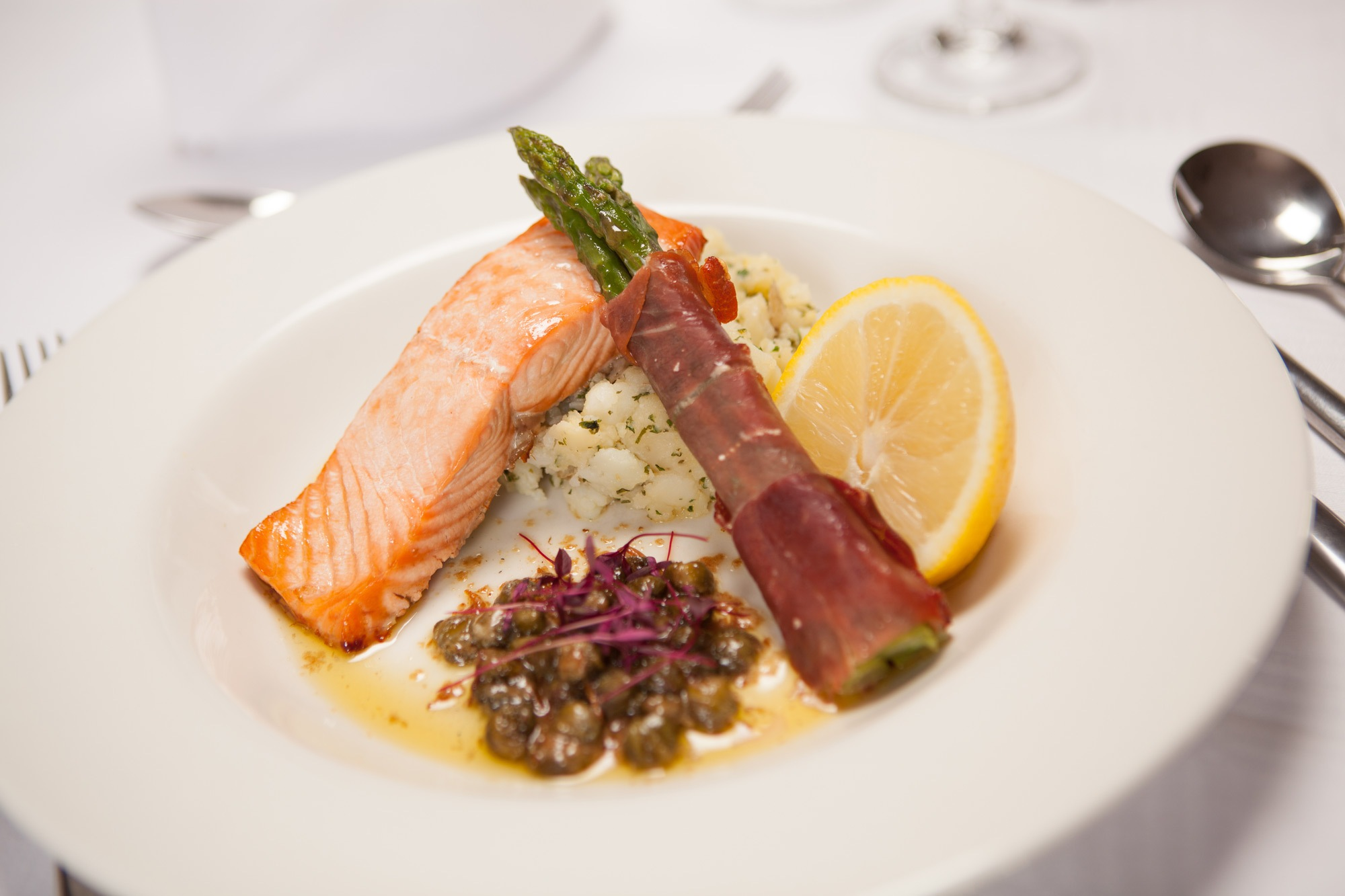 First Class Hotel - Fine DIning in Fife
